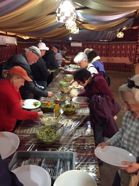 Blau - South - Lunch in Wadi Rum b